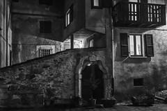 L'antica corte (drugodragodiego) Tags: blackandwhite bw italy architecture night buildings blackwhite pentax corte nightscene lombardia biancoenero notturno cortile k3 bagolino greatphotographers vallesabbia provinciadibrescia smcpentaxda1224mmf4edalif pentaxda1224mm valledelcaffaro pentaxiani pentaxk3