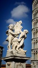 Pisa (telecamera1976) Tags: sky cloud sun monument statue italia pisa cielo torrependente piazzadeimiracoli
