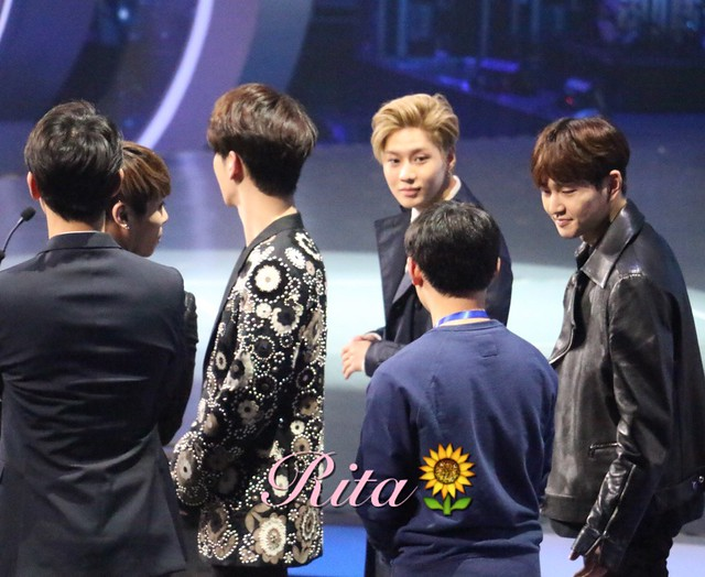 160329 SHINee @ 2016 KU Asia Music Awards' 25588789194_ff58e205d3_z