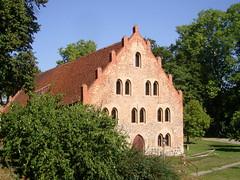 Am Kloster Lehnin, Brandenburg ... (bayernernst) Tags: park deutschland kirche september brandenburg klosterkirche 2013 lehnin klosterlehnin snc16989 07092013