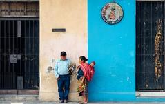 Meet by chance,Antigua,Guatemala (Never House) Tags: viaje blue yellow america guatemala sony centro culture business antigua cultura negocio 2470 a7m2 raulwong