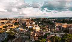 Roma -Colosseo (Luca Schiavello) Tags: city sunset sky italy sun rome colors yellow clouds nikon bew eternal fori d90