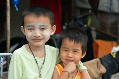brothers (the foreign photographer - ) Tags: two boys portraits thailand nikon brothers bangkok bang bua khlong bangkhen d3200 mar192016nikon