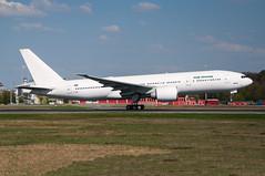 YI-AQZ - Iraqi Airways - Boeing 777-200 (5B-DUS) Tags: am airport frankfurt main international boeing airways flughafen 777 iraqi fra fraport b777 eddf 777200 b772 yiaqz