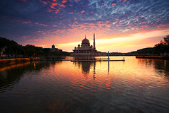 Masjid Putra Putrajaya (KembaraAlam) Tags: seascape reflection architecture sunrise canon landscape photography dawn asia muslim mosque malaysia putrajaya dslr masjid photohunt discover singhray leefilter masjidputra discovermalaysia visitmalaysia kembaraalam malaysiaexplorer