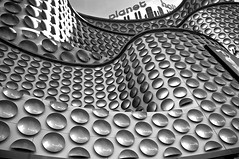 planet hollywood 023x (NeilPas) Tags: blackandwhite architecture waves lasvegas buttons monotone strip planethollywood dots image23100 100xthe2016edition 100x2016