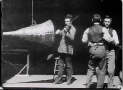 Anglų lietuvių žodynas. Žodis sound-film reiškia n garsinis filmas II 1. a 1) sveikas, stiprus, tvirtas, nesugadintas; safe and soundnenukentėjęs, nesužeistas; sound as a bellsveikas kaip ridikas; sound in wind and limb sveikas ir gyvas; 2) teisingas, logiškas; sound argument pagrįstas argumentas; sound lietuviškai.