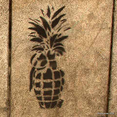 Hand Grenade (Landahlauts) Tags: graffiti andaluca stencil grafiti andalucia urbanart pineapple granada bomba andalusia bomb grenade andalusien andalousie pia handgrenade andalusie andaluz arteurbano andaluzia estarcido    andaluzja  andaluzio                   canonpowershotg11  andalouzia andalusiya     plazadelapescaderia