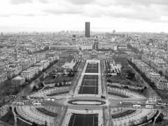 Champs de Mars.jpg (eric.benoit@35mm) Tags: paris champsdemars