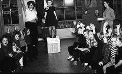 Zingen in de klas (Arne Kuilman) Tags: feest blackandwhite sinterklaas children found zwartepiet class lostandfound agfa 1961 vroeger photonotmine agfalisopanff
