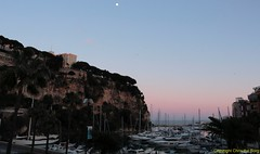 Fontvielle et le Rocher (Chris the Borg) Tags: sea sky mer rock port garden golden view harbour coucher jardin monaco ciel hour fontvieille rocher