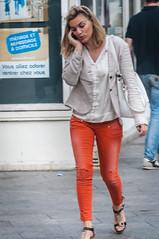 Passante (mathieu street shot france) Tags: street paris sexy femme voyeur blonde jolie cul rue fille fesses streetshot chemisier mignonne photoderue culs minijupe