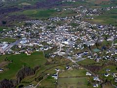 26Naucelle (Franois Magne) Tags: village place ciel prairie paysage rue extrieur glise vue antenne ulm champ vues aveyron aerienne ariennes naucelle pendulaire