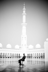 Mosque 3 (monochromia - jeremy chivers) Tags: march naturallight abudhabi 2016 sheikhzayedmosque