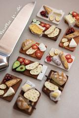 Miniature Sandwiches (PetitPlat - Stephanie Kilgast) Tags: sculpture art bread pain baker handmade polymerclay fimo baguette bakery foodart brot boulangerie realism miniaturefood oneinchscale 1to12