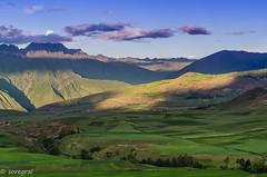 Peruvian colours game (soregral) Tags: montagne ciel nuages prou couchersoleil