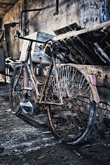 Decay. (dangiolellafrancesca) Tags: light house love beauty bicycle amazing italia decay atmosfera bicicletta abbandono simplysuperb