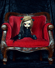 The big chair (Mientsje) Tags: wood old red cute alpaca ball chair doll dolls gothic grandfather horns dal sofa wig inside bjd pullip tori pandora jointed suri