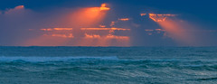 duranbah beach sunup (rod marshall) Tags: waves sunup australianimages oceansunrays duranbahbeachsunup