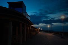 Deauville. Soire. (Thibaut_Rey) Tags: sombre promenade soire deauville