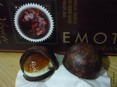 Emoti Le Voyage Vanilla Truffle and Home-Made Apricot Jam (zazou.ciocolata) Tags: fruit belgium apricot vanilla jam truffle pralines darkchocolate vanillacream fruitjam emoti filledchocolate