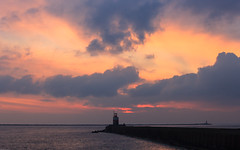 Sunset Dutch Coast (tribsa2) Tags: sunset sea sky cloud lighthouse seascape netherlands clouds seaside zonsondergang nederland noordzee wolken zee ciel northsea cielo lucht sunrisesunset nordsee merdunord canon70200f4l wolk luchten zeegezicht canonef70200mmf4lisusm canoneos5dmarkii canonnl