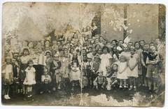 (Kaopai) Tags: kids children defekt group kinder gruppenfoto damage rotten gelsenkirchen kaputt historisch damals frher