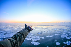 horizont (Jevgens) Tags: travel winter sunset sea sky sun snow cold ice clouds canon tallinn estonia hand bokeh outdoor fingers north fisheye explore create inspire horizont selfie ravel horisont seascpae