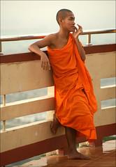 Waiting for sunset (*Kicki*) Tags: orange man person evening candid burma monk myanmar mandalay mandalayhill thaimonk sutaungpyipagoda