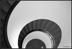 IMG_0103 (pappleany) Tags: stairs treppe sw monochrom nrnberg neuesmuseum wendeltreppe pappleany
