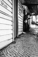 Break (jcg64990) Tags: street leica portugal monochrome 35mm break phone lisboa streetphotography summicron pause lisbonne tlmtrique