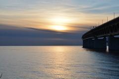 DSC_5388 (kalubro) Tags: sunset sky cloud water denmark shadows himmel bro vatten brigde solnedgng skugga moln resundsbron swe