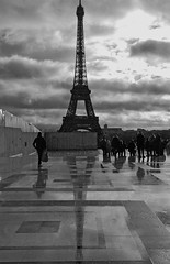 Rainy day (Vainsang) Tags: paris tower eiffeltower eiffel toureiffel