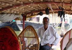 DSC04110as (Jaap Bijnagte) Tags: india kerala boatman 2013 alleppeybackwaters