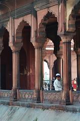 Looking Out (cn174) Tags: india delhi mosque masjid newdelhi shah jahan jama jamamasjid shahjahan mughal masjidijahnnum