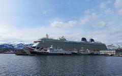 MS Brittania (Mrs.Snowman) Tags: cold norway cruiseship huge westcoast lesund aalesund brittania pocruises