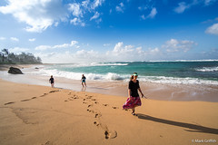 Combing the Beach (Mark Griffith) Tags: ocean beach hawaii springbreak kauai haena 2016 zollinger sonya7rii bestof2016 bestofapril2016 zollingerhawaii2016 20160412dsc039902