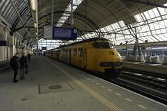 Plan V 441 & 455 ([Publicer Transport] Ricardo Diepgrond) Tags: utrecht ns plan 64 mat v trein zwolle centraal sprinter stoptrein apekop mat64