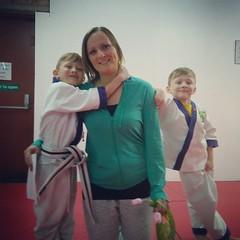 taekwondo #family #kickass #selfdefense #mothersday #flowers... (nathanrobinson2) Tags: family flowers cute twins taekwondo selfdefense mothersday kickass realmen uploaded:by=flickstagram instagram:venuename=johnturner27sblackbeltacademy instagram:venue=968117934 instagram:photo=1199456037890163528184137303