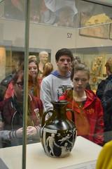 Portland vase and tourists (Mr. Russell) Tags: england london tourist britishmuseum portlandvase