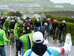 Lunchtime Rush 1 (mdavidford) Tags: sport race bag cycling delivery dangle hang bushmills stage2 supply peloton giroditalia feedzone handingout musette soigneur whiteparkroad cannondaleprocycling