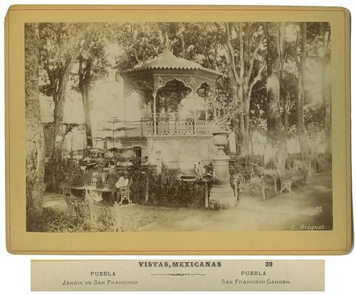 Puebla, Jardin de San Francisco.