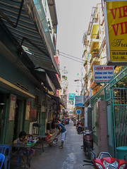 """Ho Chi Minh Ville: notre quartier <a style=""""margin-left:10px; font-size:0.8em;"""" href=""""http://www.flickr.com/photos/127723101@N04/23976987183/"""" target=""""_blank"""">@flickr</a>"""