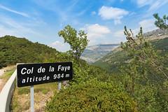 Route Napolon [D6085] - Col de la Faye (France) (Meteorry) Tags: road france sign june europe top altitude pass roadtrip paca route provence col chemin sommet alpesmaritimes 2015 meteorry provencealpesctedazur saintvallierdethiey n85 provencealpesctedazur routenapolon coldelafaye saintvalliersdethiey