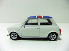 MINI COOPER 1300 (1972) - WELLY / NEX (RMJ68) Tags: cars jack toy union mini cooper welly coches juguete 1300 diecast 160 nex