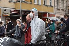 Anti-Feinstaub-Demo in Berlin-Neuklln (Europa Silke) Tags: auto berlin demo protest demonstration fahrrad neuklln umwelt gesundheit feinstaub umweltschutz umweltpolitik feinstaubbelastung radentscheid