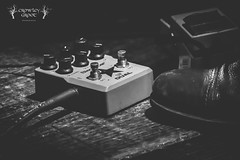Pedals (Crowley Groot) Tags: light music blancoynegro luz pie boot blackwhite concert shoes shot interior stage escenario concierto livemusic indoor musica pedals booster zapato bota pedales monocromtico monocromatico musicaendirecto canon7dmarkii