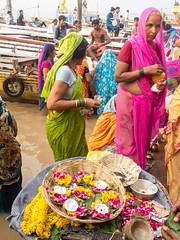 ....Colors of the Ganges.....Varanasi (geolis06) Tags: india religious asia varanasi asie 06 hindu pilgrimage pilgrim inde offerings benares religieux uttarpradesh hindou plerin pelerinage offrande geolis geolis06