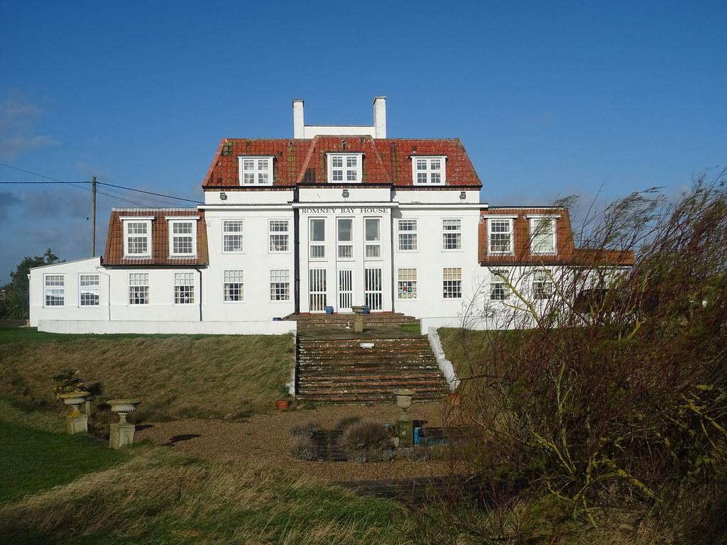 ROMNEY BAY HOUSE CLOUGH WILLIAMS ELLIS