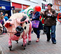 Gloucester Day Parade 2015 - stuffed Gloucester Old Spot pig (Biffo1944) Tags: pig day gloucester 2015 old parade street museum folk spot westgate gloucester
